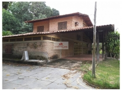 Sítio com terreno de 12800m2